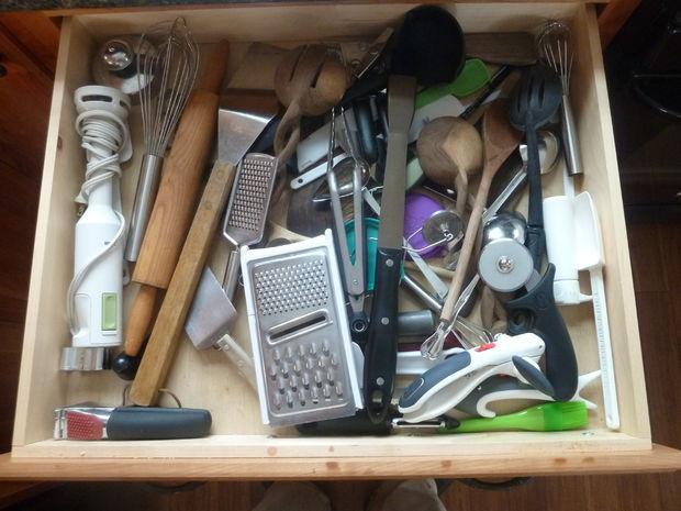 DIY Organizing Kitchen Drawers